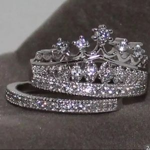 🆕 2 Piece Crown Crystal Fashion Ring Size: 7
